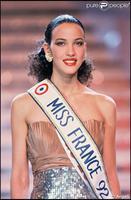 Christophe a eu une belle aventure avec la Miss France 1992. Classe.