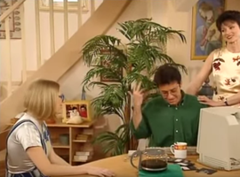 Bizarre, le bureau de Monsieur Girard était une pièce sacrée. Seule Annette a pu l'exiler dans le salon...