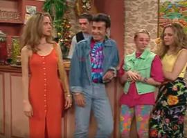 En se déguisant en djeune, Roger prend un râteau mémorable par Magalie. S'il n'a pas fauté, il n'en reste pas moins attiré par les jeunes filles...