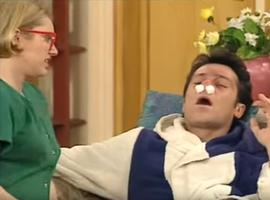 Annette s'improvise aussi docteur. Il faut dire que le père Girard est un brin hypocondriaque.