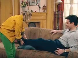 Quand Marie tombe enceinte, Annette prend la décision de se dévouer corps et âme à Monsieur Girard...