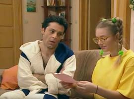 Roger mériterait une médaille pour avoir supporter toutes ces heures à écouter Annette raconter ses conneries.