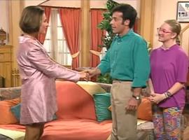 Magalie, la cousine d'Annette, trouble la libido usée de Roger...