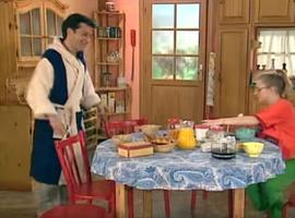 Tous les matins, Roger a son petit-déjeuner préparé. La belle vie...