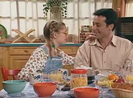 Les moments gênants pour Roger qui se demande si Annette ne va pas lui demander de la dépuceler sur la table de la cuisine.