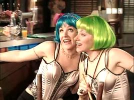 Aie aie aie, voilà la dernière apparition des Jumelles Ever dans les sitcoms AB...