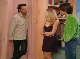 Justine provoque à nouveau un dangereux triangle amoureux.