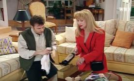 Phil jamais contre l'idée de boire un p'tit rouge.
