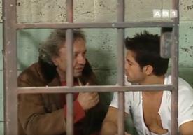 """On retrouve le même comédien qui jouait Léon. Dans la sitcom des 2be3, il est à nouveau un clodo, que Filip rencontre après une nuit """"au frais"""" en cellule. Dans doute la plus belle histoire entre un clodo et un personnage """"normal"""" de sitcom."""