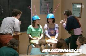 """Comme souvent, ce sont les élèves qui servent de cobaye aux """"inventions"""" de Monsieur Rambier."""
