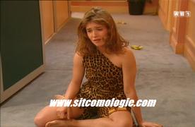 Sylvie profite de la situation pour se faire débrousser sa petite forêt vierge par Tarzan-Rambier. Heureusement, sans réussite.