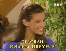 Rebecca, visiblement ravie d'avoir trouvé un job.