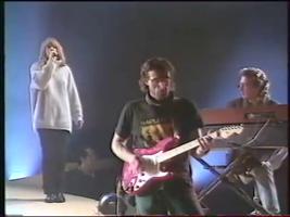 Le trio gagnant : Hélène au chant, Gérard Pinto à la gratte et Gérard Salesses au keyboard.