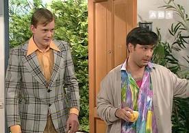 """Mimiche (à gauche), le genre de freak qu'on pourrait retrouver un jour dans un """"Faites entrer l'accusé""""."""