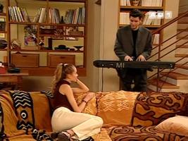 Luc reste un chanteur romantique. Ouf.