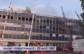 Le terrible incendie de l'immeuble d'AB en avril 1997. Un sombre événement auquel s'ajoute de ridicules suspicions d'arnaque à l'assurance...