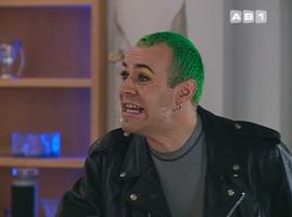"""Autre gay d'AB, autre """"folle"""" : Omnès."""