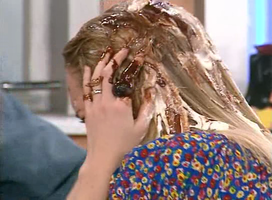 Julie en a peut-être fini par en avoir marre de se prendre des glaces sur la tête.