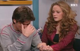 """Quand Justine apprend qu'Anthony a donné un """"coup mortel"""" à Jérôme."""