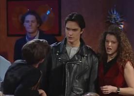 Adeline, surprise avec un autre garçon par une Nathalie raide bourrée.