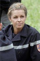 Manuela en pompier. Mais où sont passés les tuyaux ?