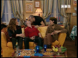 On retiendra surtout qu'avec Omnès c'est la première et unique fois que l'on verra deux mecs s'embrasser...