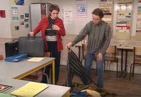 A leur arrivée au lycée, nos chers professeurs vont faire une drôle de découverte...