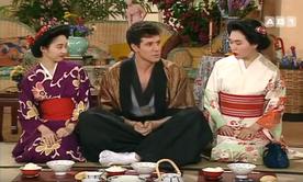 """Gang bang au programme dans le Miel avec deux """"japaneses teens""""."""