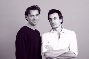 Deux excellents comédiens. Oui, Benoit est toujours aussi beau.
