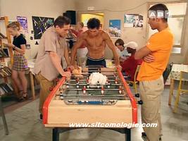 Une série sous forme d'alibi pour montrer les 2be3 torse-nu sur TF1.